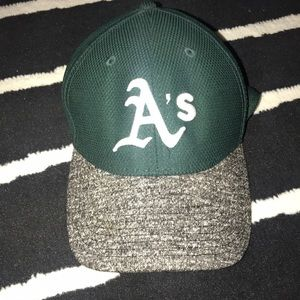 Oakland A's green/static gray front hat.